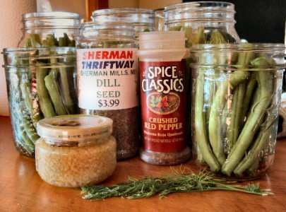 minced garlic, red pepper flakes, fresh dill, dill seeds, green beans, dilly beans